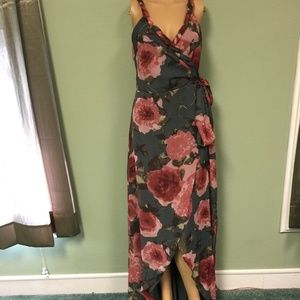 Dresses & Skirts - Grey and pink long floral dress in size small